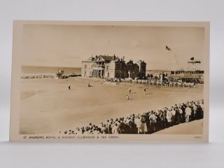 No. V7312 St. Andrews, Royal and Ancient Clubhouse and 18th Green. Postcard.